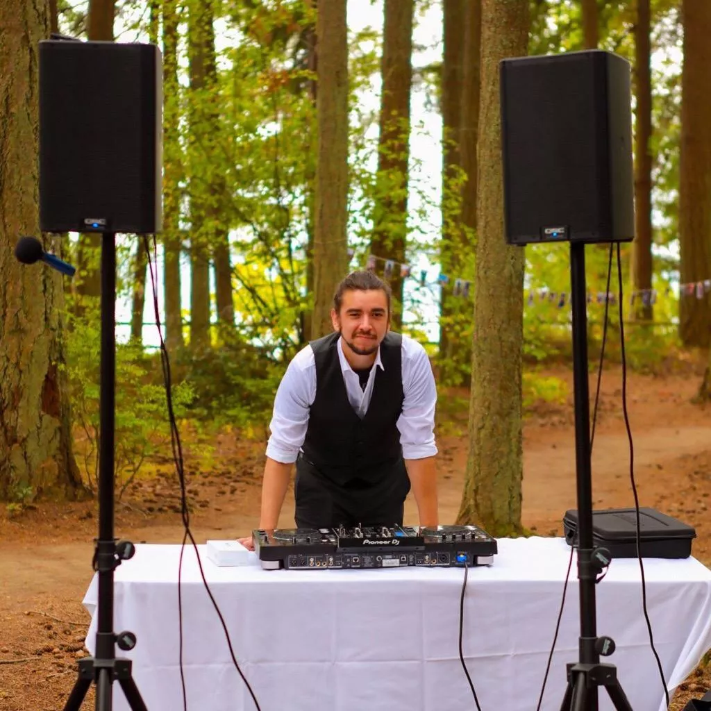 Tacoma, Seattle, WA DJ. DJ Dane serves weddings and events with DJ and MC services for weddings and events.
